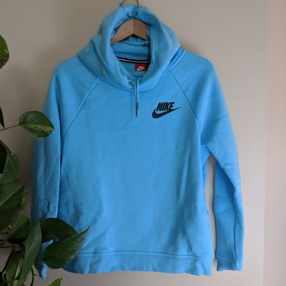 98894b3b0d90 Baby Blue Nike Hoodie. M 5ac524123b1608d472c15c0b